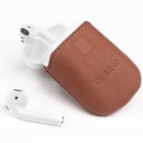 QIALINO ochranná kožená kapsa pro Apple AirPods  - hnědá