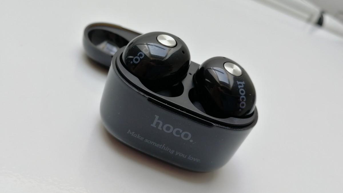 Bezdrátová sluchátka hoco. sdokovací stanicí