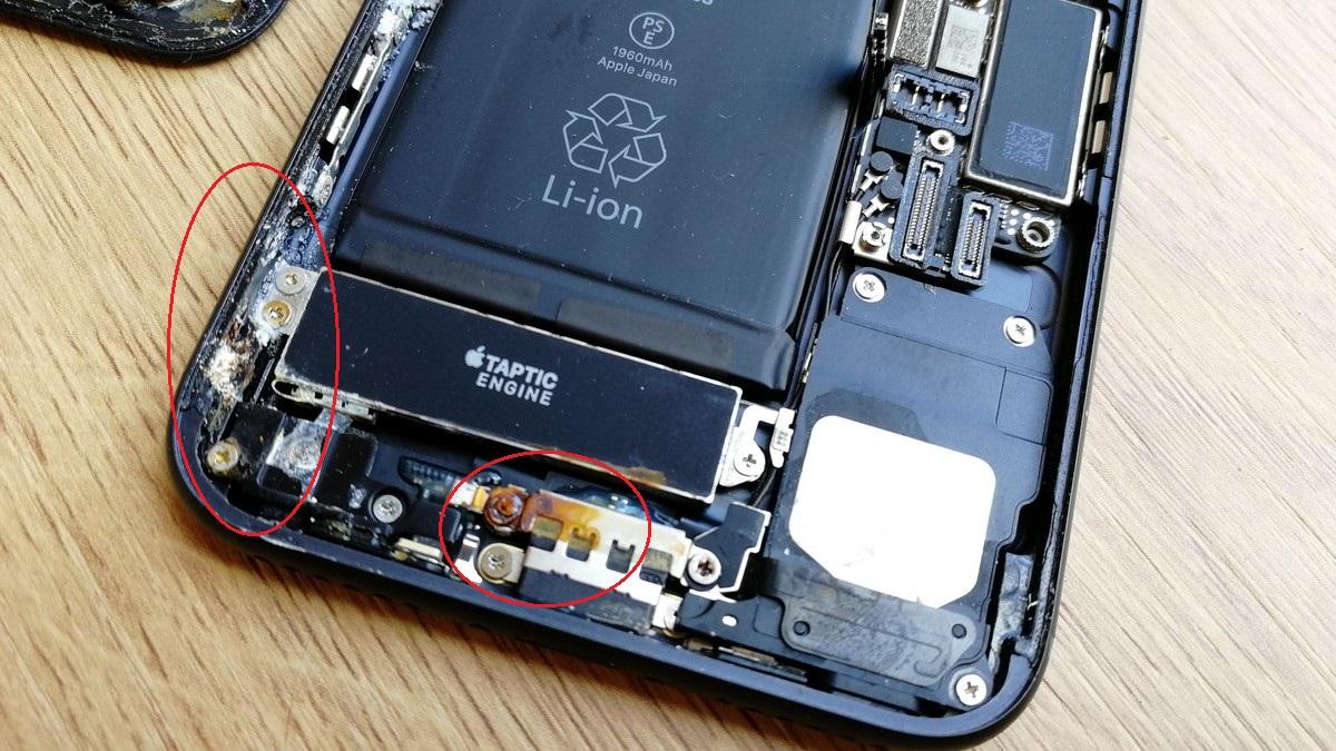 iPhone 7 - apă