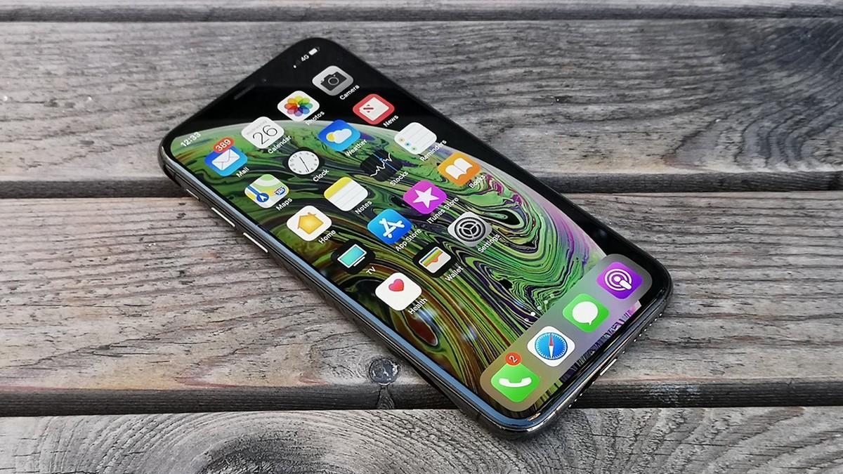 iPhone XS - displej