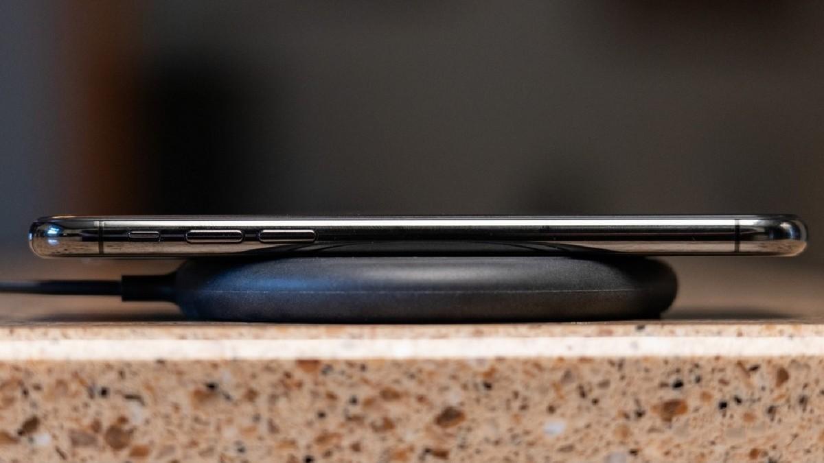 iPhone - Gyors vezeték nélküli töltés